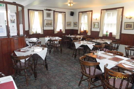 Bexhill-on-Sea, UK: Restaurant ready for Easter Sunday lunch