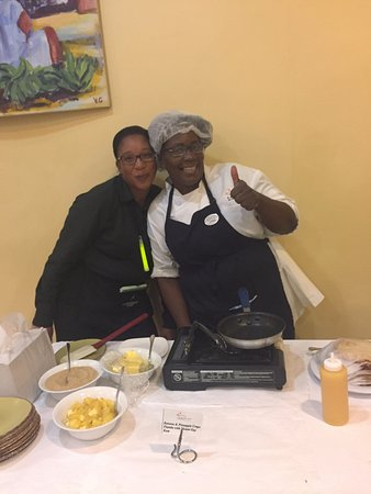 Tamarind by Elegant Hotels: Ether the best omelette and egg maker!! and Shantel THE best waitress!!!!