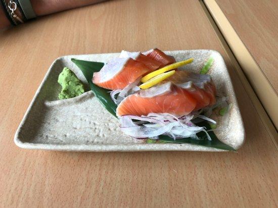 Kohan Restaurant: Salmon sashimi