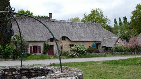 Saint-Lyphard, Francja: Hameau de chaumières