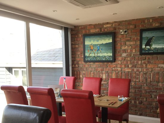 Borth, UK: Opposite view of front dining room