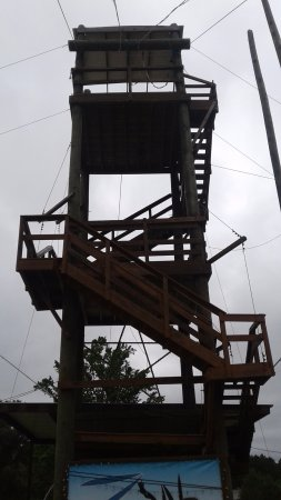 Nacogdoches, تكساس: The first platform of the Zip line