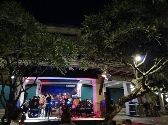 Baan Laimai Beach Resort: IMG_20170424_204144_large.jpg