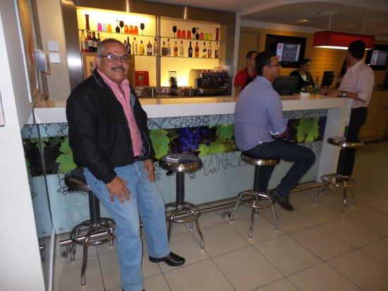 Ibis Santiago Providencia: Bar do Hotel IBis Providencia