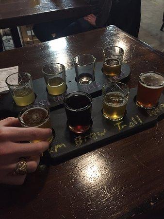 Sarnia, Canadá: Flights are a good way to taste test