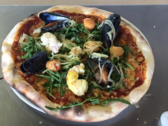 Olafsvik, Iceland: seafood pizza