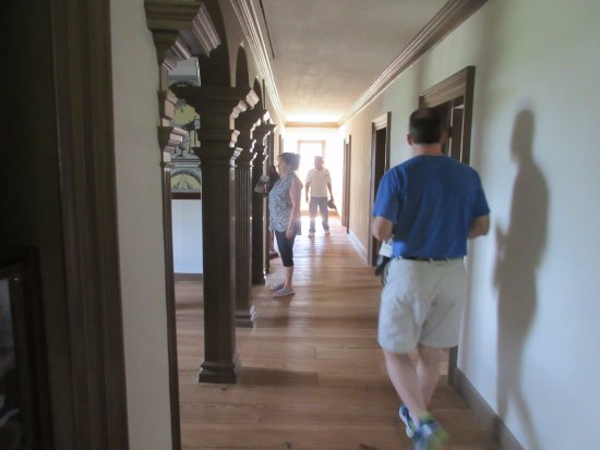 Lorton, VA: Self guided tour of 7 bedrooms on the second floor