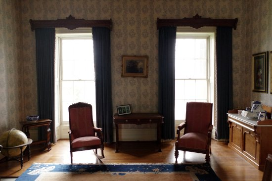 Cayuga, Καναδάς: A sitting area in the Ruthven Park Mansion.
