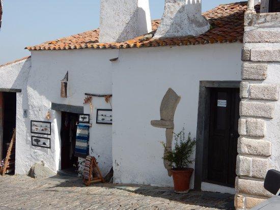 Monsaraz, Portugal : Tienda de recuerdos