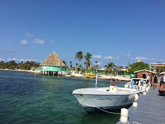 Turneffe Island, Belize: Boat dock