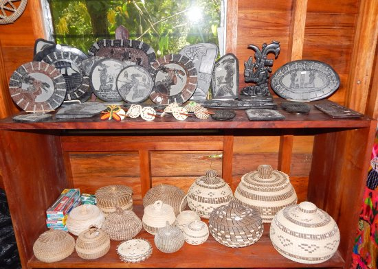 Macaw Bank Jungle Lodge: locally produced arts and crafts