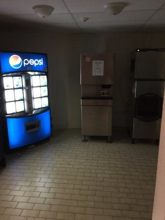 North Bay, Canadá: Vending machines/ ice maker