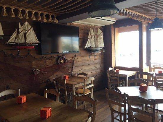 Taverna El Casino: ZONA DE MESAS