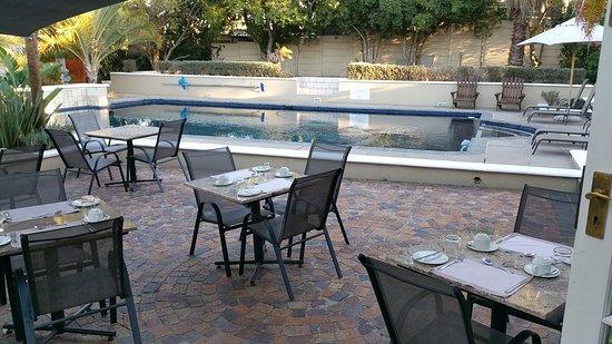 Somerset Villa Guesthouse: 20170423_082227_large.jpg