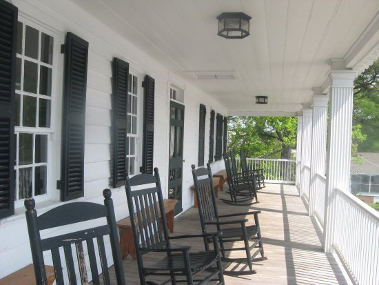 Edenton, Северная Каролина: porch