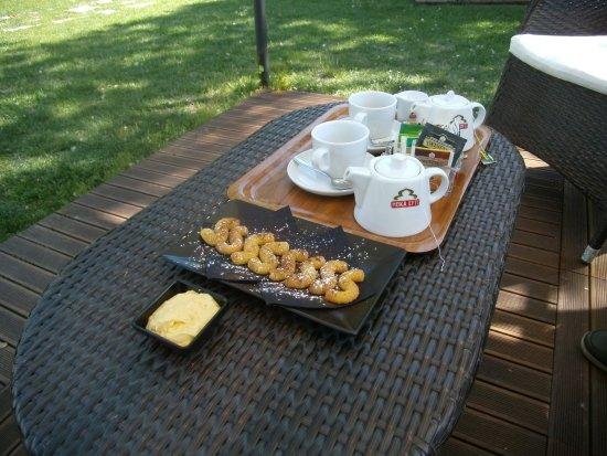 Torcello, Italië: Tea and biscuits !