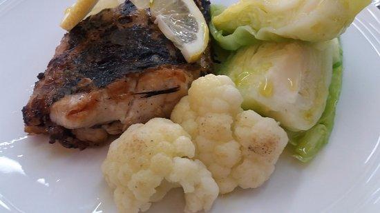 Entroncamento, Portugal: Peixe espada preto fresco grelhado (prato do dia)