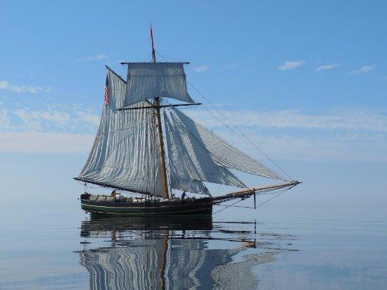 South Haven, MI: Friends Good Will, replica 1810 tall ship.