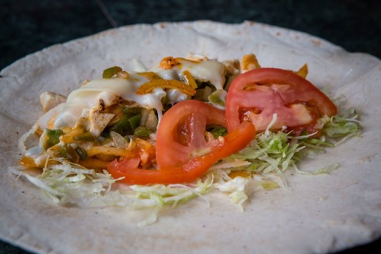 Camp Hill, Πενσυλβάνια: chicken fajita wrap, one of our healthy choices