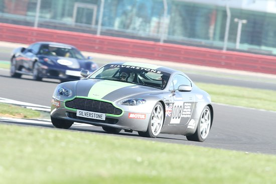 Silverstone, UK: Fun with the Vantage
