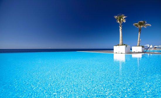VidaMar Resort Hotel Madeira: Outdoor Swimming Pool