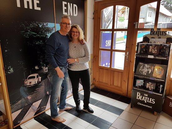 Egri Road Beatles Múzeum: The End