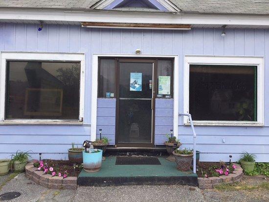 Milford, DE: Y Chromosome Massage - Front of Building