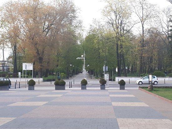 Radom, بولندا: Wejście do Parku od strony ul. Sienkiewicza