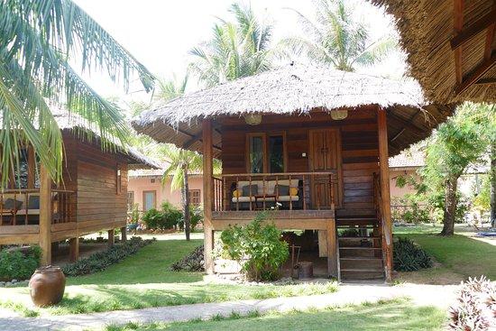 Coco Beach Resort: Bungalow mit Terrasse