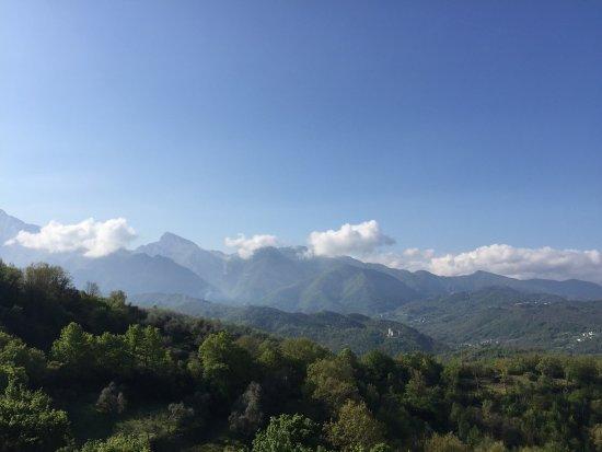 Fivizzano, İtalya: Vista dalla terrazza e dalla camera