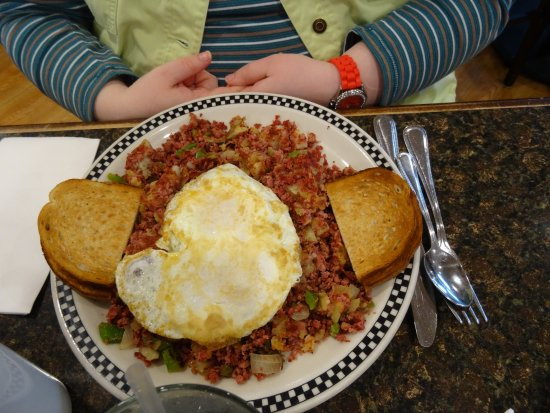Fitzpatrick's Deli & Steakhouse: I was given several bites of the delicious Corned Beef Hash - I'm getting this next time.