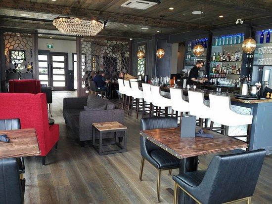 Courtenay, كندا: AQUA Bistro and Wine Bar