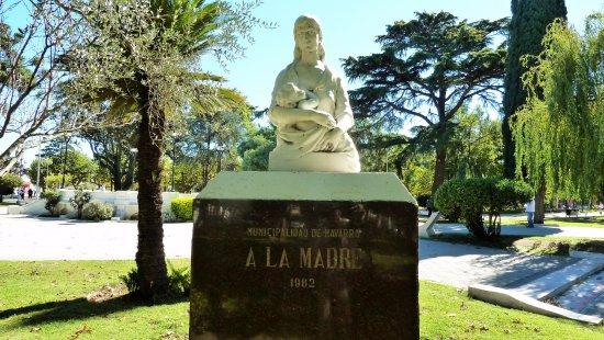Navarro, Argentina: Busto alla made