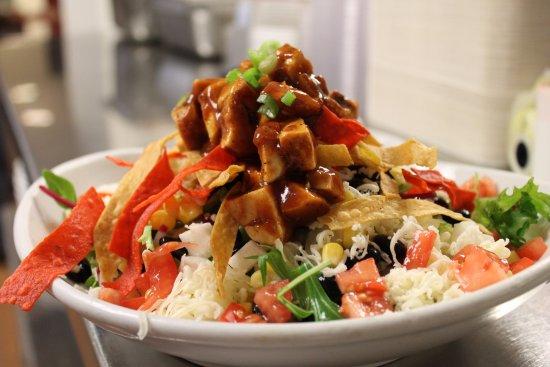 เพลเซนท์ฮิลล์, แคลิฟอร์เนีย: BBQ Chicken Salad