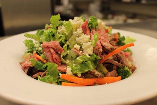 Pleasant Hill, CA: Beef & Bleu Salad