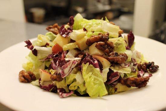 เพลเซนท์ฮิลล์, แคลิฟอร์เนีย: Fuji Apple Salad