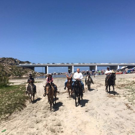 La Mision, Mexique : Sean and the kids joined us for a Semana Santa ride!