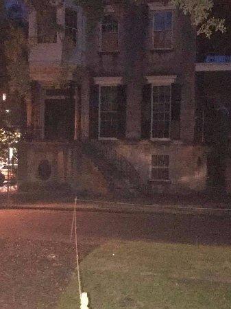 Savannah Walks: 432 Abercorn Street, most haunted house in Savannah