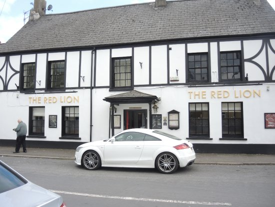 Facade of the Red Lion Inn, Caerleon, Wales