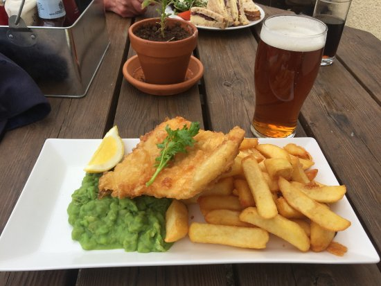Charlestown, UK: Fish and Chips and Mushy Peas