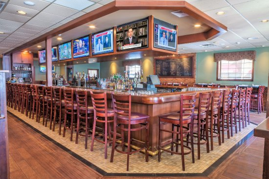 Hamden, CT: Bar Area