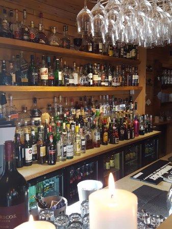 Rangá Restaurant: Full stocked bar