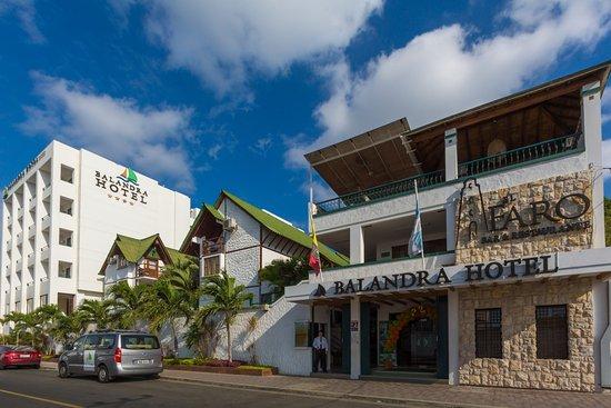 Balandra Hotel: Welcome to the best service in town - Bienvenidos al mejor servicio