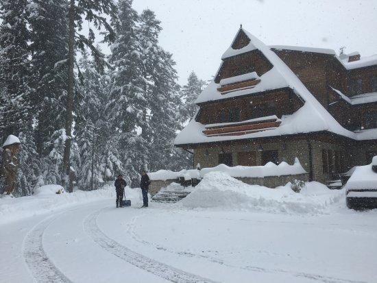 Karolowka Hotel: Kwiecień zaskoczył nas śniegiem :)