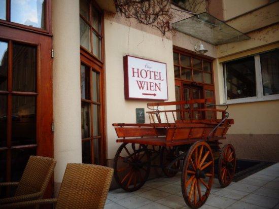 Austria Classic Hotel Wien : back patio area