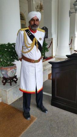 Raffles Hotel Singapore: A traditioal welcome