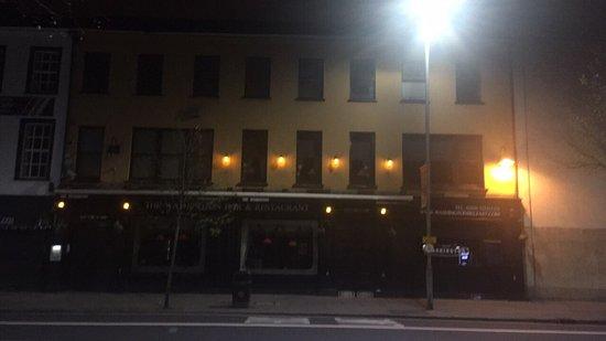 The Washington bar & restaurant : photo2.jpg