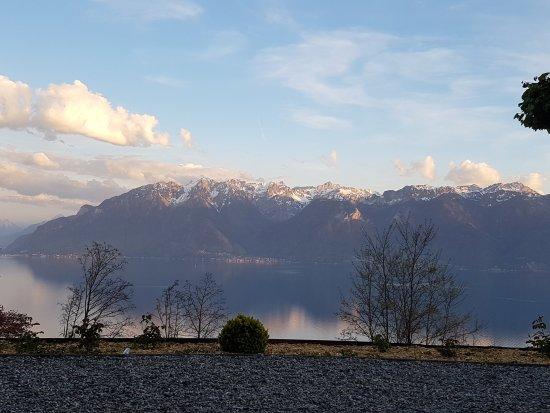 Chexbres, Switzerland: 20170424_201310_large.jpg