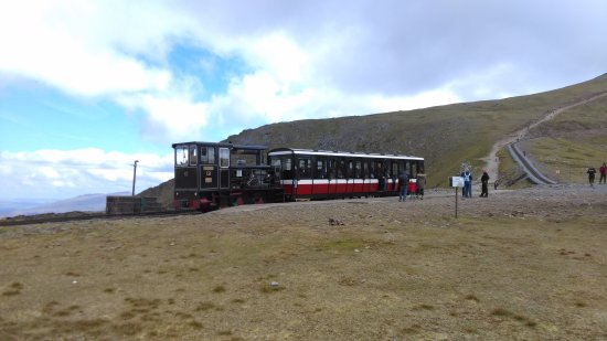 Llanberis, UK: The train at Clogwyn