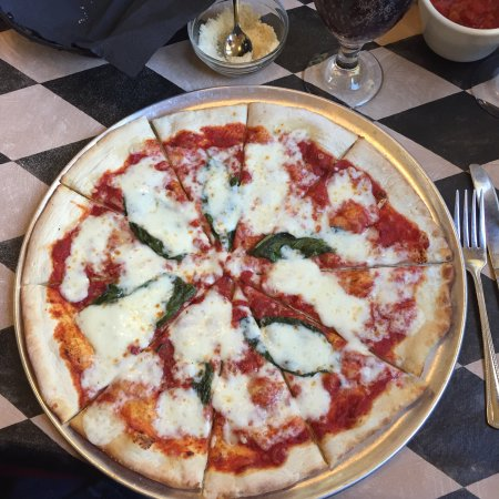 Warsaw, IN: Bella Vitale Italian Eatery